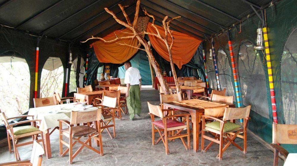 Le restaurant dans le Masai Mara