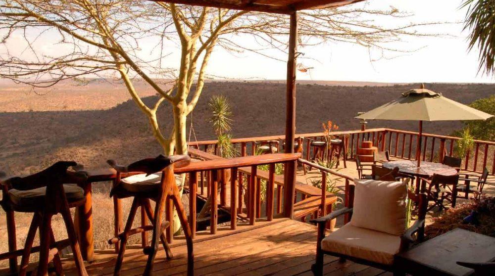 La terrasse du lodge e au Kenya