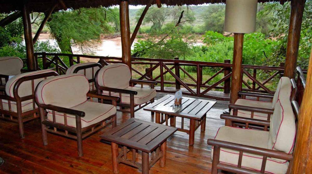 Coin salon sur la terrasse à Samburu