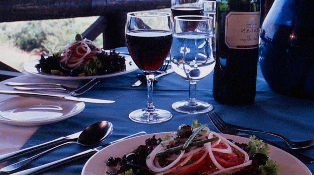 Un repas au restaurant près du Lac Naivasha