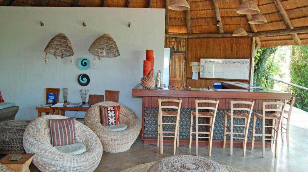 Le bar de la piscine à Mabibi