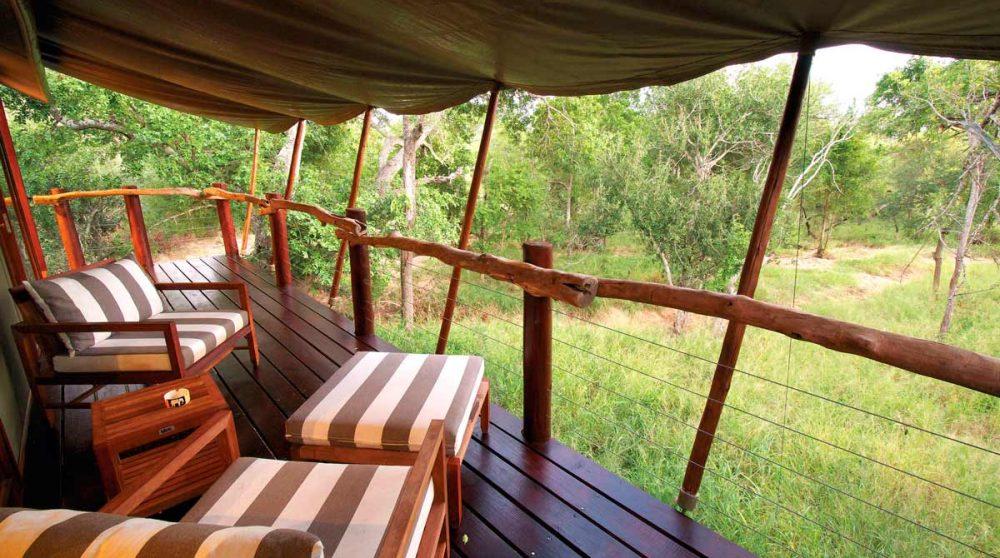 La terrasse de la tente