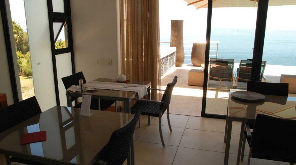 La mer vue depuis le restaurant au Cap
