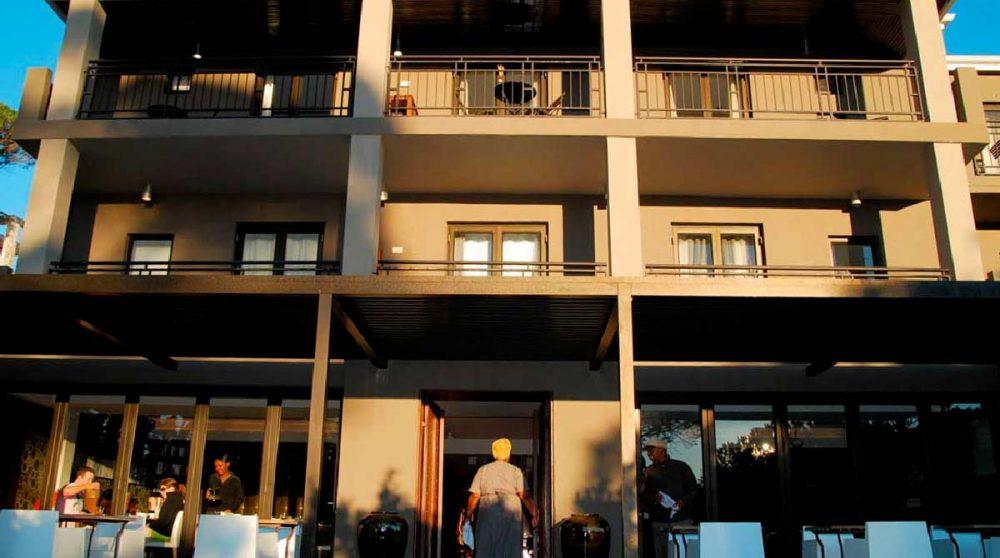 Façade de l'hôtel au Cap