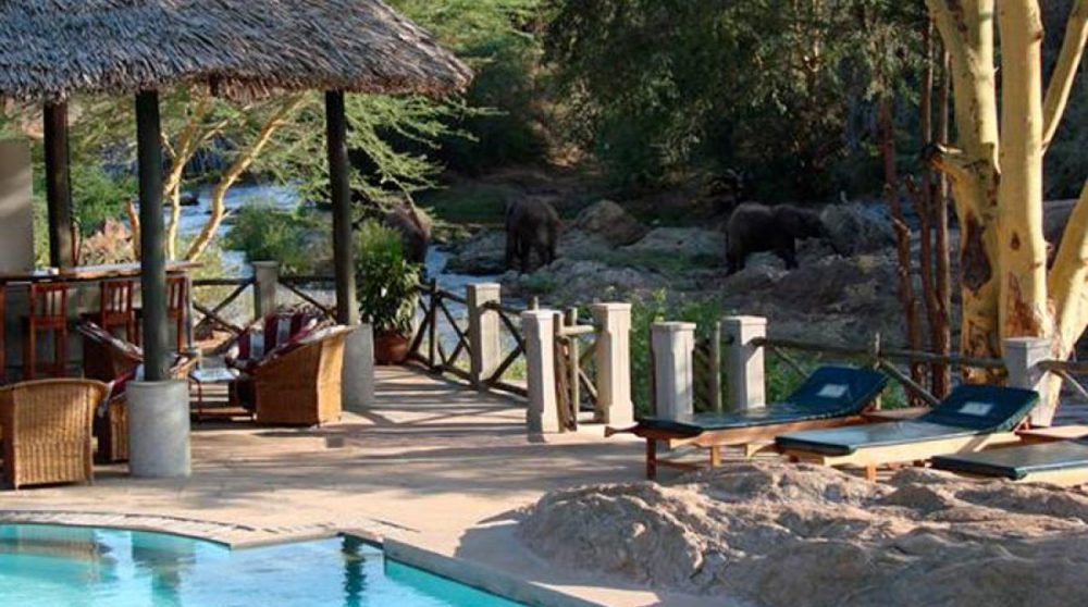 Autre vue de la piscine à Tsavo