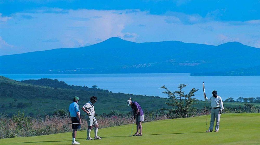 Activité golf avec vue sur le lac