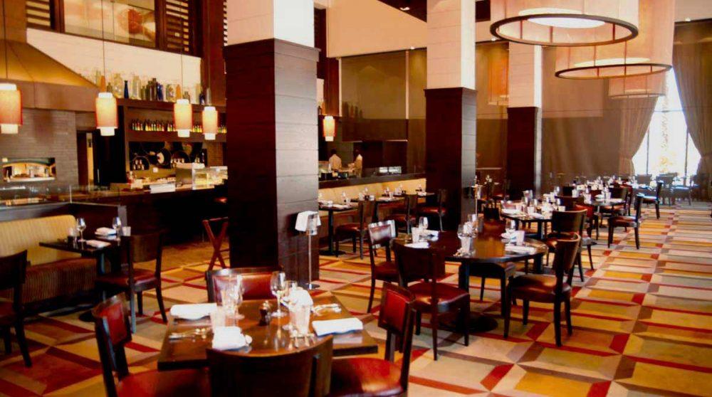 Tables au restaurant