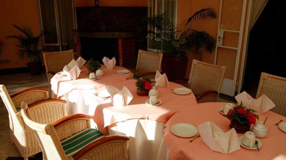 Tables pour déjeuner