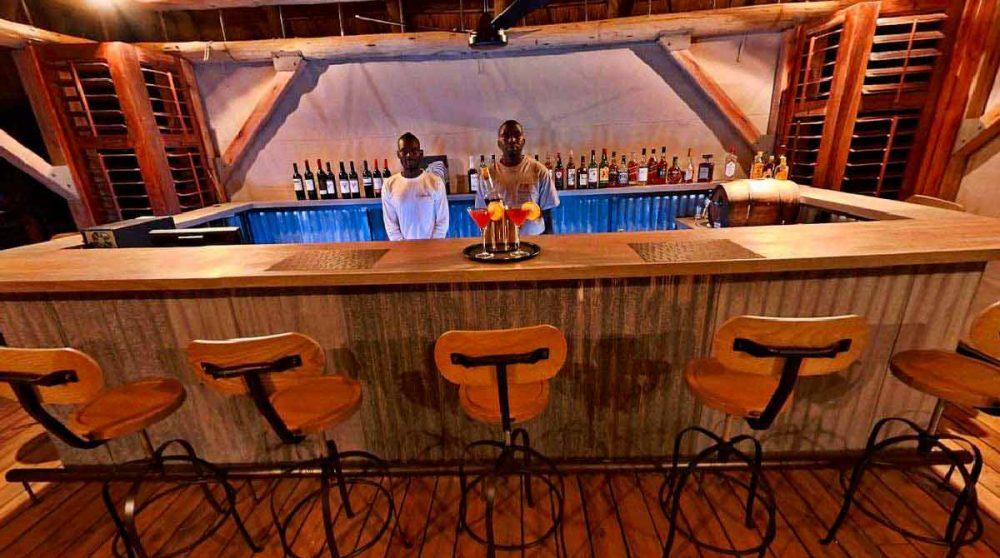 Le bar du Dolomite Camp