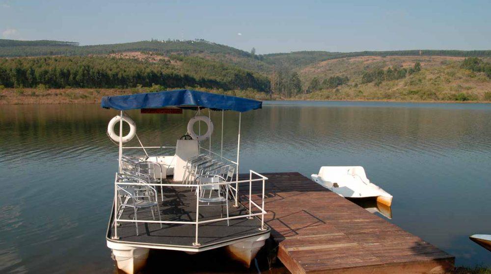 Le lac donnant sur le Hulala Lakeside Lodge