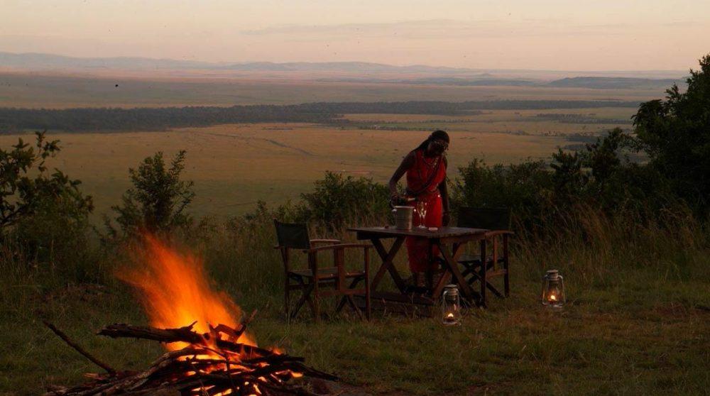 Un feu de camp au Kilima Camp