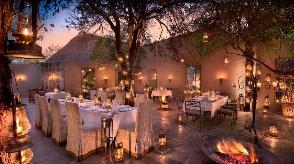 Le dîner sur la terrasse du Ngala Safari Lodge