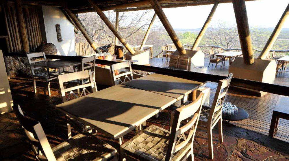 Tables pour déjeuner au Ongava Lodge