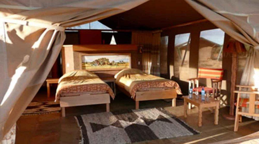 Lits dans une tente au Sentrim Amboseli