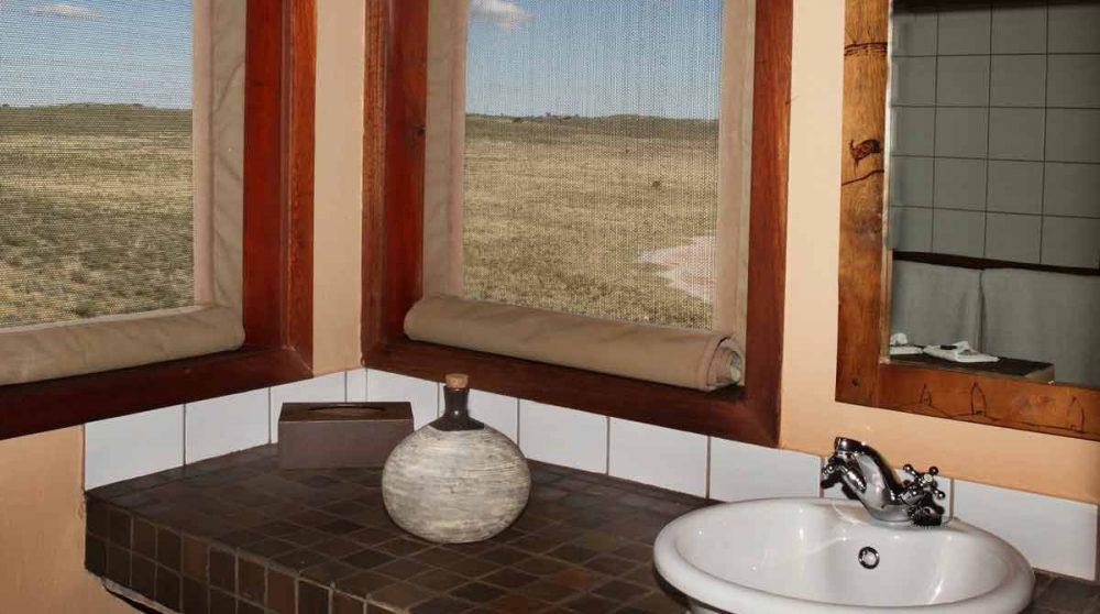 La salle de bains à Xaus Lodge
