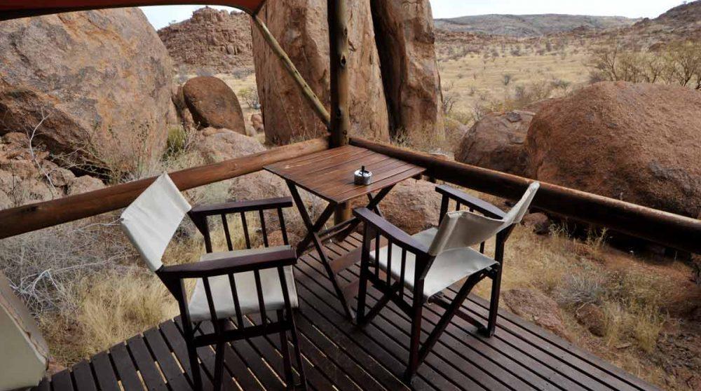 Table sur la terrasse en Namibie