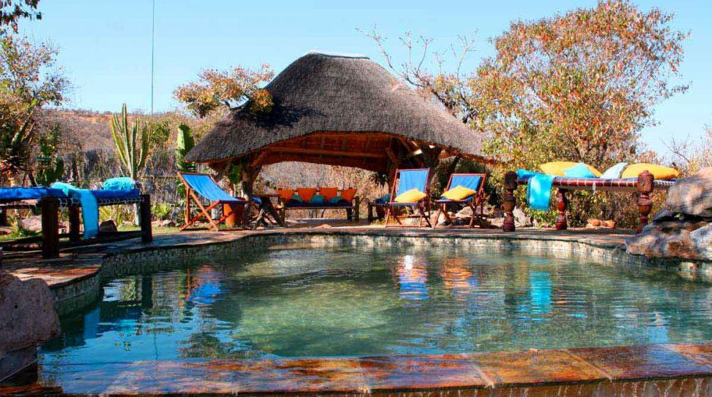 La piscine de l'hôtel à Waterberg