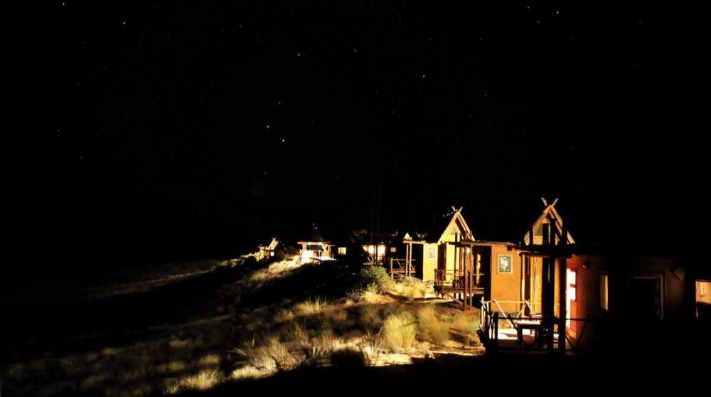 Les chambres la nuit dans le Kalahari