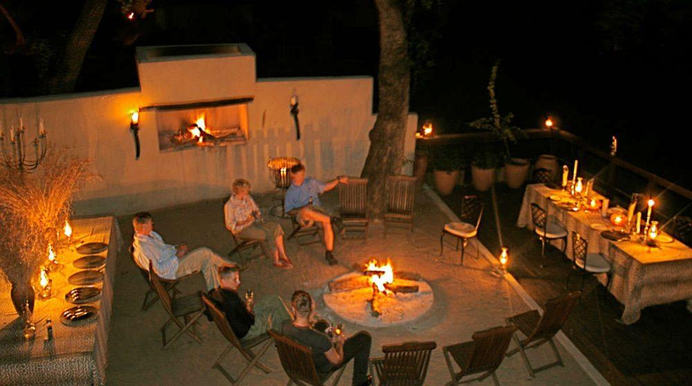 Une soirée au coin du feu en Afrique du Sud
