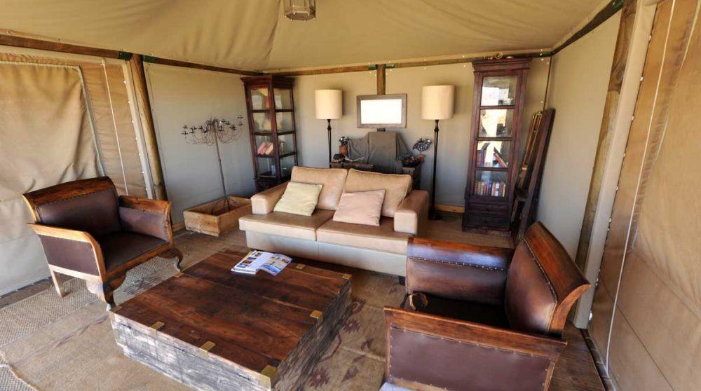 Un autre salon sous une tente