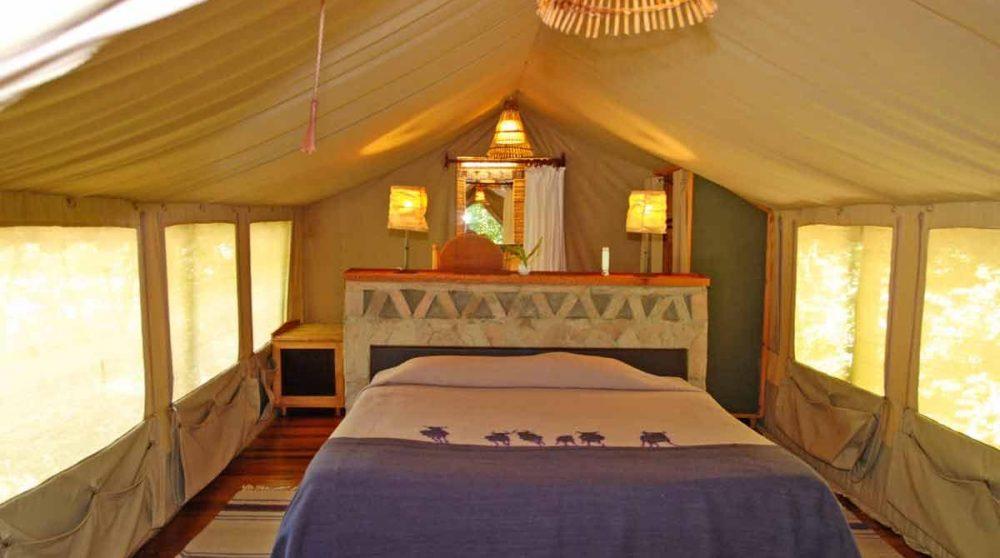 Chambre dans une tente