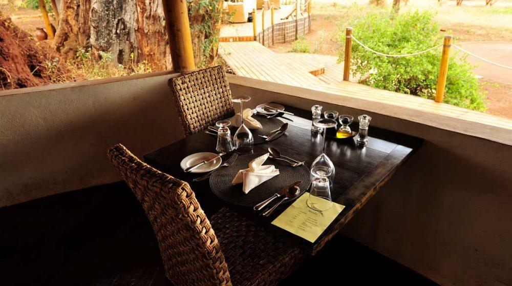 Une table au restaurant en Tanzanie