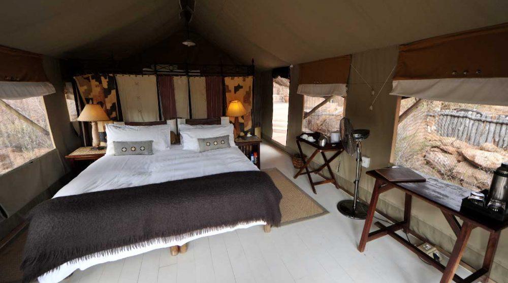 Lit dans une tente dans le Damaraland