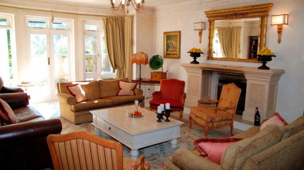 Un salon de l'hôtel à Franschooek