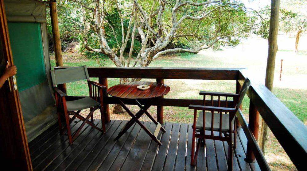 La terrasse d'une tente dans le Kwazulu Natal