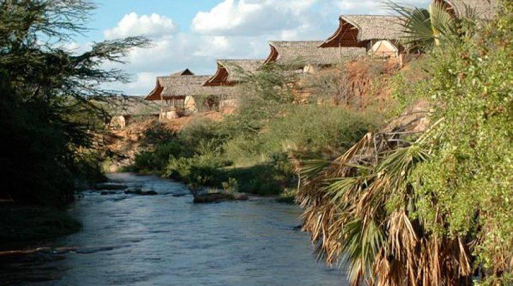 La rivière près du camp à Tsavo