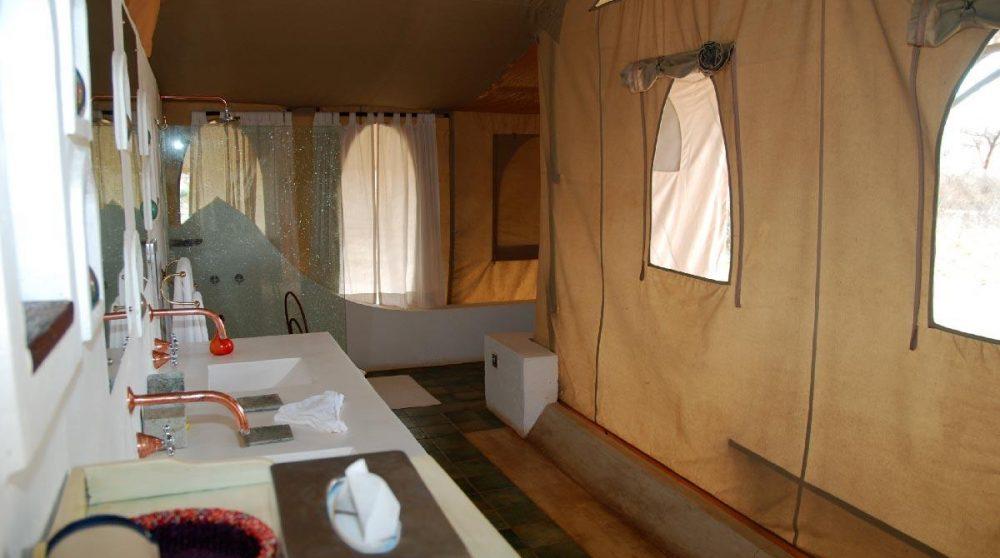 Une salle de bains à Shaba