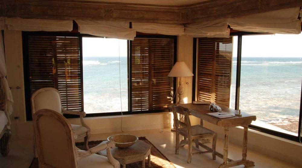 La vue depuis une chambre de l'hôtel à Mombasa