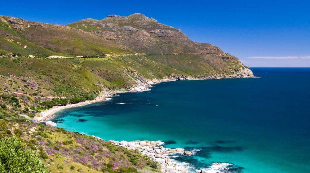 La route spectaculaire de Chapman's Peak Drive à Cape Town