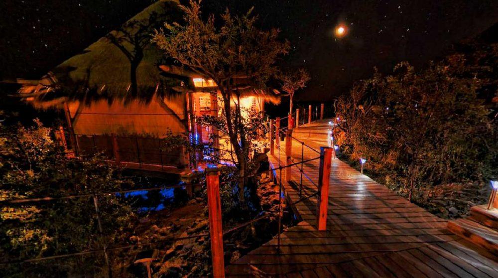 Le camp la nuit