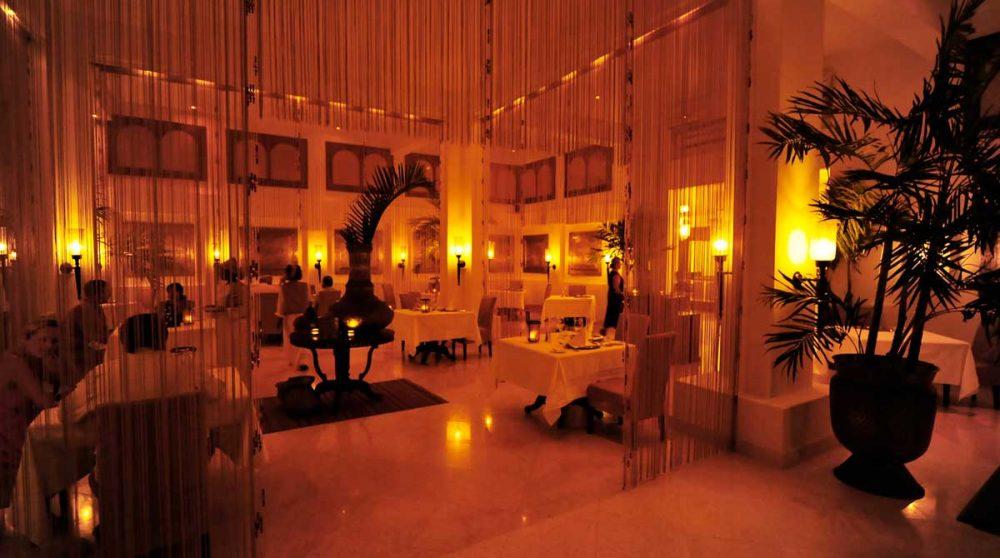 Le restaurant du Baraza la nuit