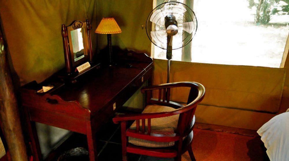 Un bureau dans une tente au Falaza