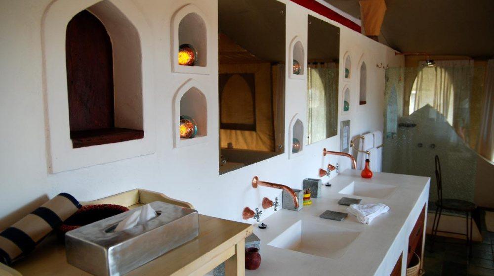 Autre vue de la salle de bains au Joys Camp