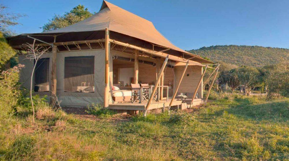 Vue d'une tente superior au Kichwa Tembo