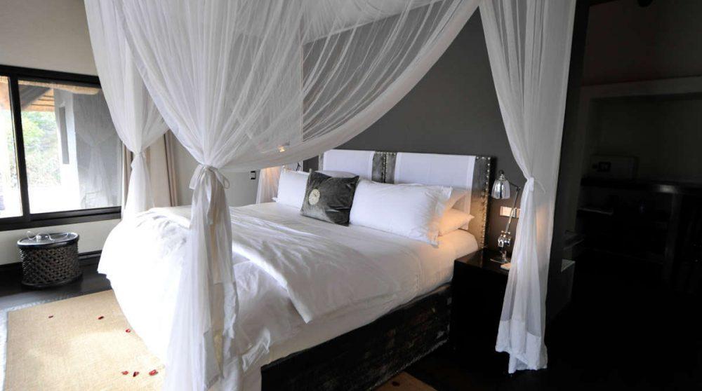 Chambre à l'hôtel Londolozi Granite Suites