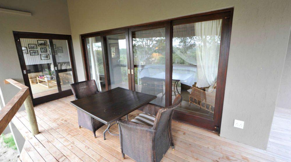 Terrasse d'une chambre au Londolozi Pioneer Camp