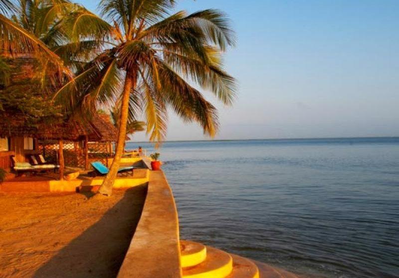Vue sur l'océan depuis le Manda Bay