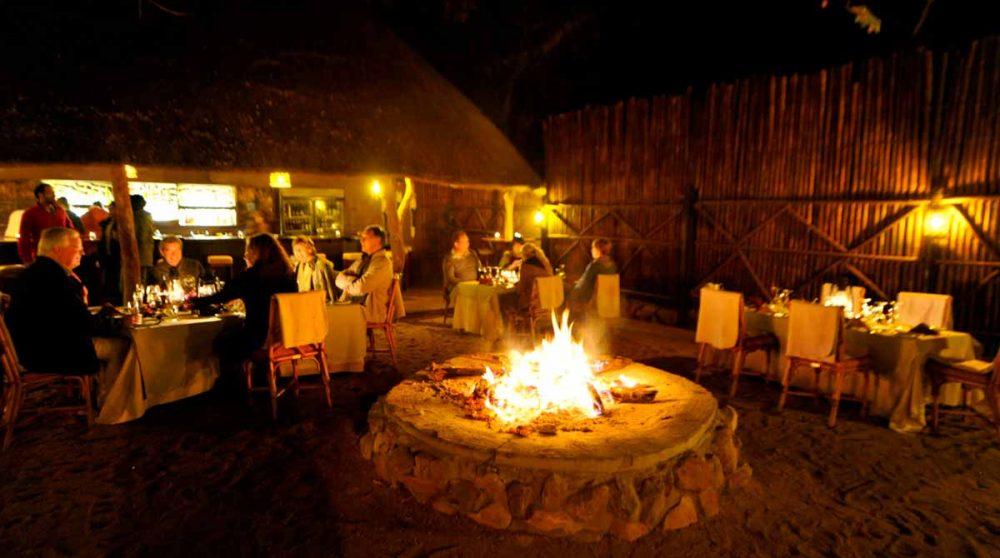 Soirée avec feu au Motswari