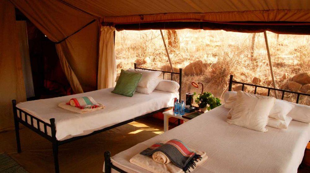 Intérieur d'une tente au Offbeat Meru