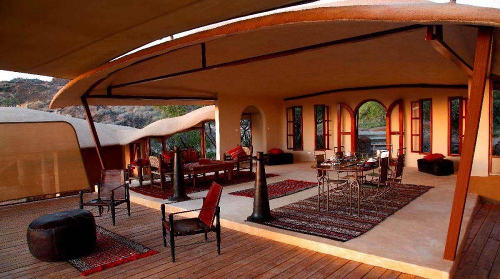 L'intérieur d'une tente au Saruni Samburu