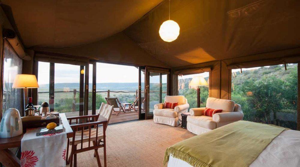 Autre vue de l'intérieur d'une tente en Afrique du Sud