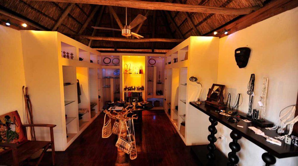 La boutique du camp dans le parc de Tarangire