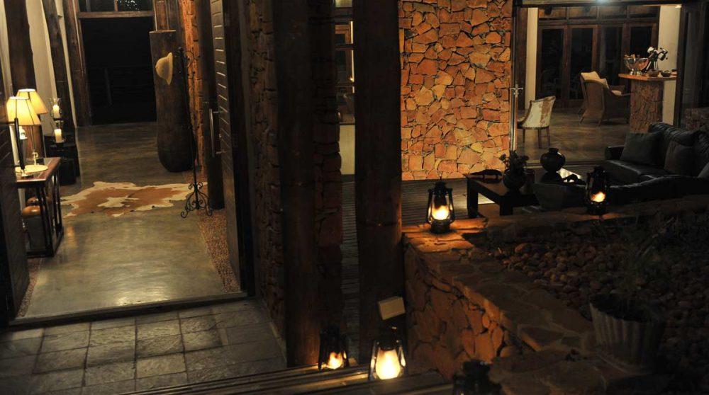 Un esacalier menant au lodge en Afrique du Sud