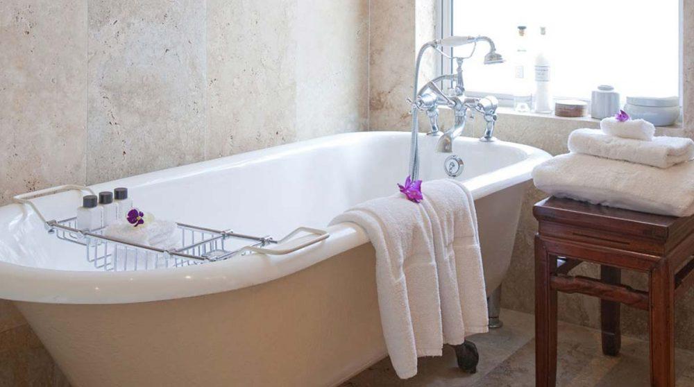 Une baignoire à l'ancienne en Afrique du Sud