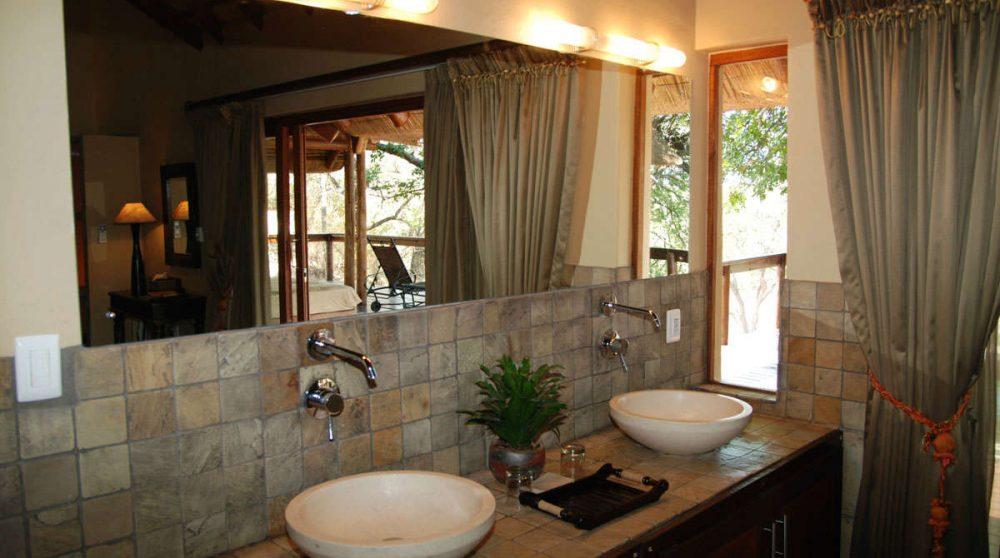 Lavabos dans une Honeymoon suite en Afrique du Sud