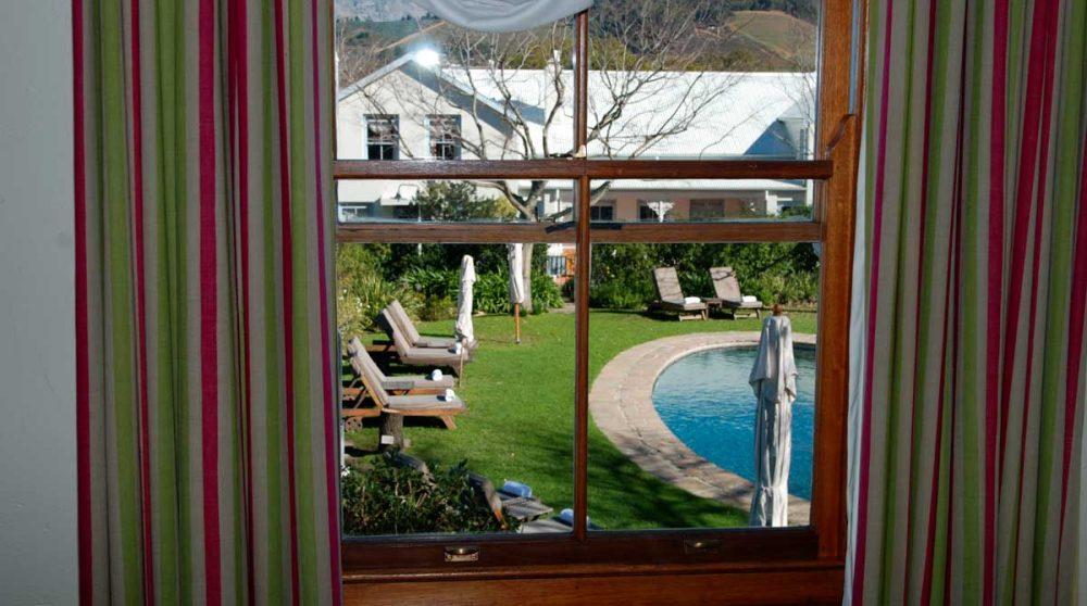 La piscine vue d'une chambre luxury en Afrique du Sud